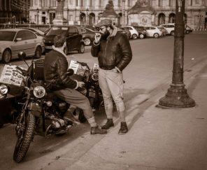 L'homme à la moto, Paris