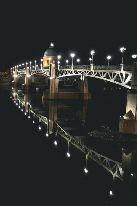 Pont Saint-Pierre at night