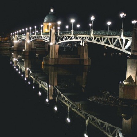 Pont Saint-Pierre at night