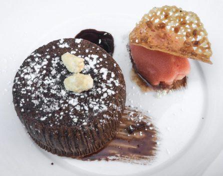 Moelleux au chocolat et sorbet orange
