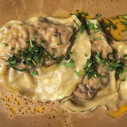 Ravioles de foie gras et sauce aux cèpes