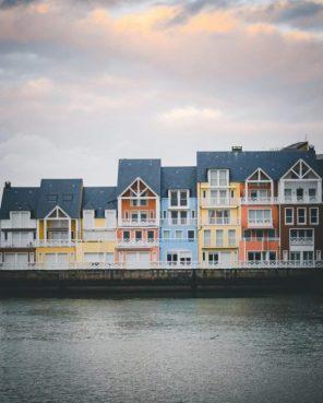 Deauville-port-colourful