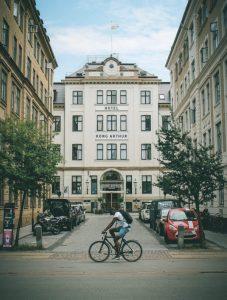 Hotel-kong-arthur-entrance