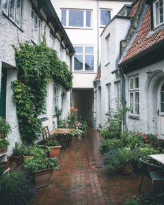 Lübeck-courtyard