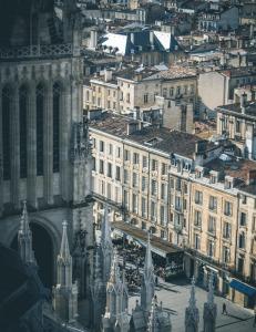 Bordeaux-place-pey-berland