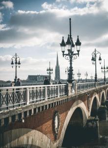 Bordeaux-pont-de-pierre